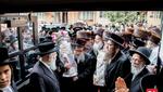 Hachnusas Seifer Torah to the Pupa Shul in Boro Park