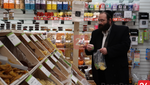 Tu Bshvat: Photo Gallery of People Buying Fruits and Platters for Tu Bshvat