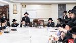 Skulen Rebbe at the Isri Chag Pesach Tish